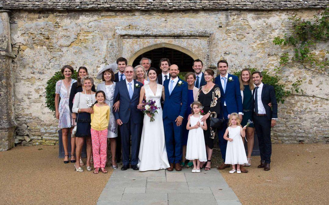 10 ways to simplify your wedding group photos