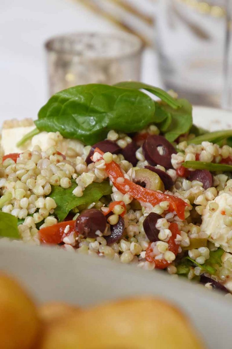 couscous salad with basil, peppers and olives